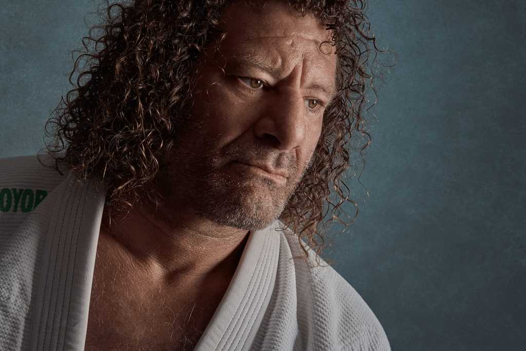 shadow side Rembrandt portrait of kurt osiander taken by Cowra NSW photographer Brent Young